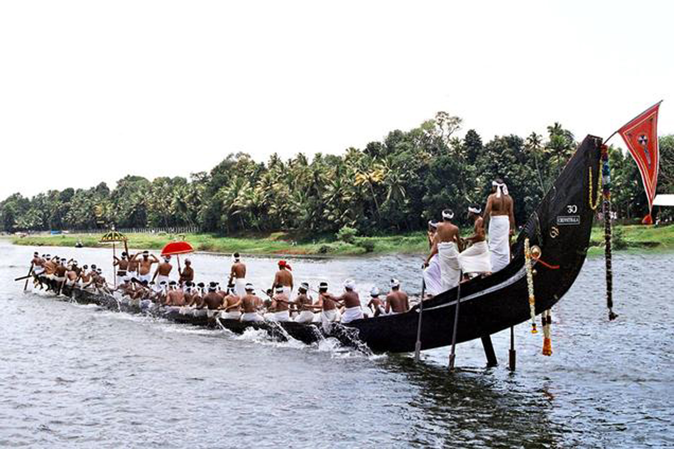 a look at the onam festival of kerala If you are looking to get a glimpse of the grand festivals of kerala, you wouldn't  want to miss onam (marking the homecoming of king mahabali), vishu (the.