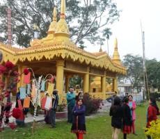 visitors in the buddha vihara
